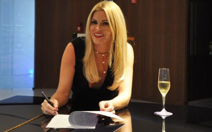 Val Marchiori conquista espaço na RedeTV!, ganha programa e detona Luciana Gimenez: 'Vai ter que me engolir'