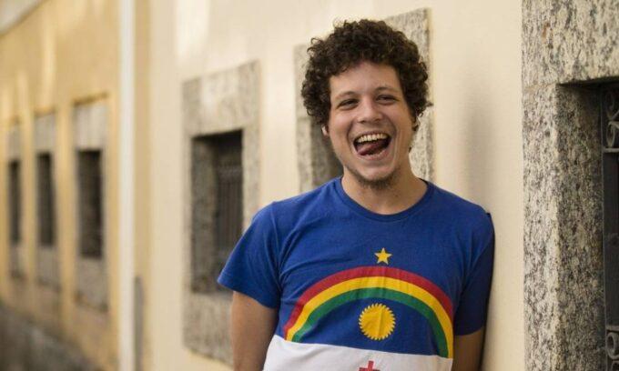 Filho de Cássia Eller com Maria Eugênia se recusa a defender os gays e gera revolta