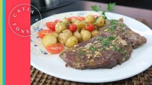 Aprenda a preparar bifes suculentos com batata!
