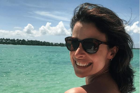 """Bruna Spínola, da Globo, fala pela primeira vez sobre seu estado de saúde e dispara: """"Estamos grávidos"""""""