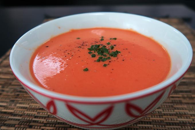 Gaspacho (Sopa Gelada de Tomate) por Roberta Engels