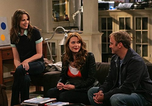 Gary Unmarried - Allison (Paula Marshall), Vanessa (Jaime King), and Gary Barnes (Jay Mohr)