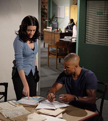 "CRIMINAL MINDS - Paget Brewster as Agents Emily Prentiss and Shemar Moore as Agent Derek Morgan in ""Lucky"""