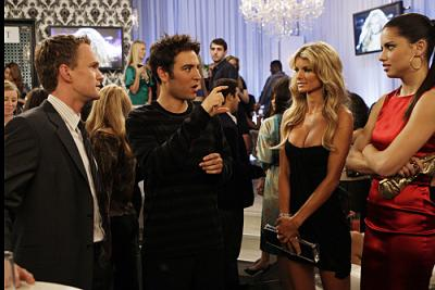 """HOW I MET YOUR MOTHER - Neil Patrick Harris as Barney, Josh Radnor as Ted, Marisa Miller, and Adriana Lima in """"The Yipes"""""""