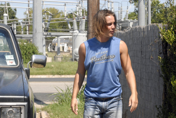 """FRIDAY NIGHT LIGHTS - Taylor Kitsch as Tim Riggins in """"Seeing Other People"""""""