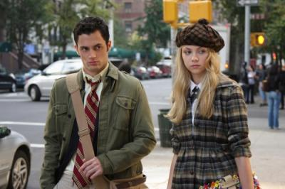 "GOSSIP GIRL - Penn Badgley as Dan and Taylor Momsen as Jenny in ""Hi, Society"""