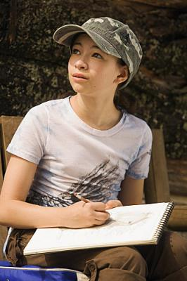 PICTURES OF HOLLIS WOODS - Jodelle Ferland as Hollis Woods on CBS