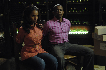 "PSYCH - Kerry Washington as Mira and Dule Hill as Burton ""Gus"" Guster in ""There's Something About Mira"""
