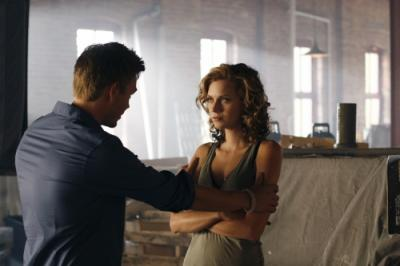"""ONE TREE HILL - Chad Michael Murray as Lucas and Hilarie Burton as Peyton Sawyer """"Racing Like a Pro"""""""
