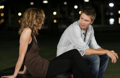 """ONE TREE HILL - Hilarie Burton as Peyton Sawyer and Chad Michael Murray as Lucas Scott in """"My Way Home Is Through You"""""""