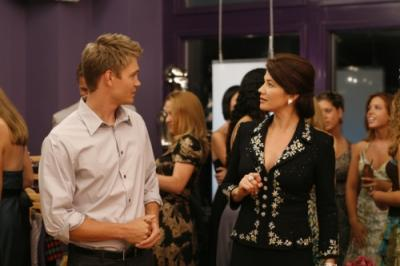 ONE TREE HILL - Chad Michael Murray as Lucas and Daphne Zuniga as Victoria in