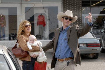 "FRIDAY NIGHT LIGHTS - Connie Britton as Tami Taylor, Madilyn Landry as Gracie Taylor, and Peter Berg as Morris ""Mo"" McArnold in ""May the Best Man Win"""