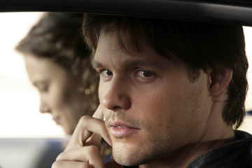 KNIGHT RIDER - Deanna Russo as Sarah Graiman, Justin Bruening as Mike