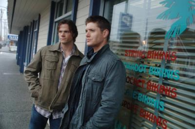 "SUPERNATURAL - Jared Padalecki as Sam Winchester and Jensen Ackles as Dean Winchester in ""Mystery Spot"""
