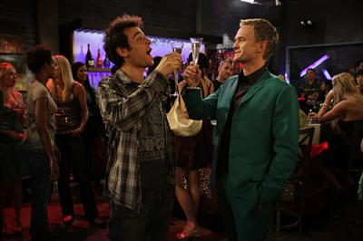 """HOW I MET YOUR MOTHER - Josh Radnor as Ted and and Neil Patrick Harris as Barney in """"No Tomorrow"""""""