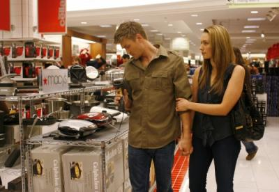 """ONE TREE HILL -  Chad Michael Murray as Lucas and Michaela McManus as Lindsey in """"Hundred"""""""