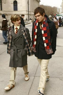 "GOSSIP GIRL - Connor Paolo as Eric and Ed Westwick as Chuck in ""The Blair Bitch Project"""