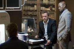 House (Hugh Laurie) and Foreman (Omar Epps)