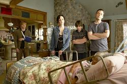 Hunter Parrish as Silas Botwin, Mary-Louise Parker as Nancy Botwin, Alexander Gould as Shane Botwin, Justin Kirk as Andy Botwin, and Jo Farkas as Bubble