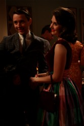 Mad Men - Pete Campbell (Vincent Kartheiser) and his wife Trudy Campbell  (Alison Brie)