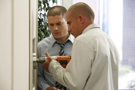 Prison Break - Michael (Wentworth Miller), Lincoln (Dominic Purcell)
