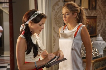 Gossip Girl - Leighton Meester as Blair and Blake Lively as Serena