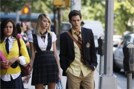 Gossip Girl - Taylor Momsen as Jenny and Penn Badgley as Dan