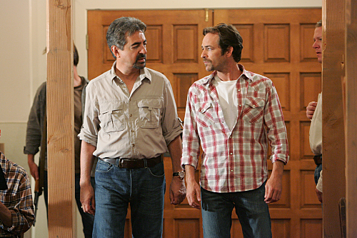 Criminal Minds - Joe Mantegna as Agent Rossi, Luke Perry as Benjamin Cyrus