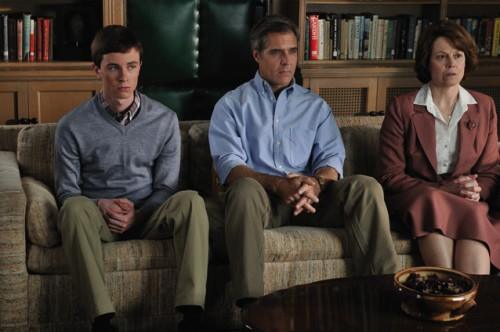 Ryan Kelley, Henry Czerny, Sigourney Weaver - Prayers for Bobby