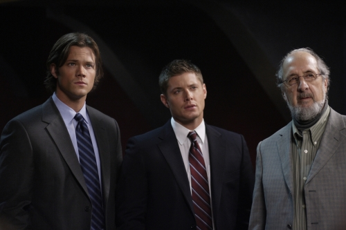 Jared Padalecki as Sam, Jensen Ackles as Dean, Richard Libertini as Vernon in SUPERNATURAL
