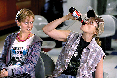 Brie Larson as Kate and Toni Collette as Tara in United States of Tara