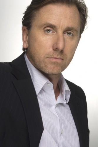 Tim Roth (Dr. Cal Lightman) - Lie To Me