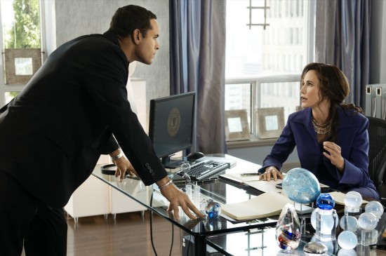Daniel Sunjata and Andy MacDowell in AT RISK
