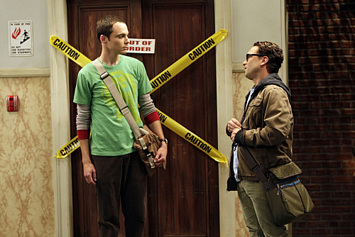 "THE BIG BANG THEORY ""The Bus Pants Utilization"""