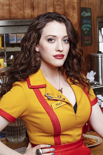 https://i2.wp.com/www.tvequals.com/wp-content/uploads/2011/08/2-BROKE-GIRLS-CBS-Cast.jpg