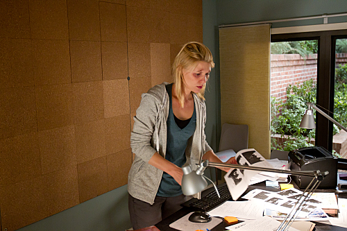 https://i2.wp.com/www.tvequals.com/wp-content/uploads/2011/12/Homeland-Showtime-The-Hand-Episode-11.jpg