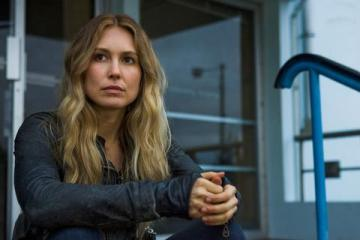 Falling Skies (TNT) Season 2 Episode 5 Love and Other Acts of Courage