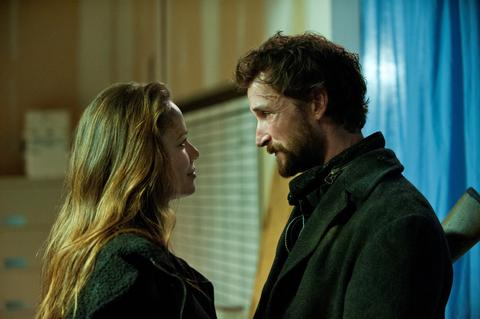 Falling Skies Season 2 Finale A More Perfect Union