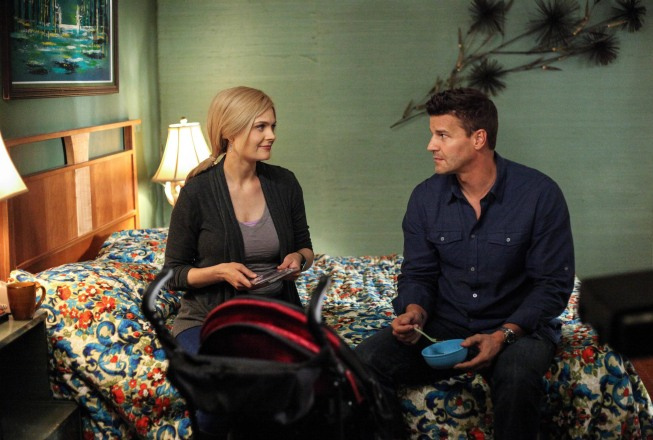 https://i2.wp.com/www.tvequals.com/wp-content/uploads/2012/09/Bones-The-Future-in-the-Past-Season-8-Premiere-2.jpg