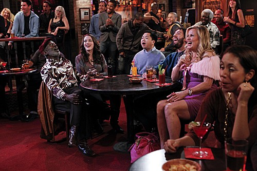 2 Broke Girls Season 2 Episode 5 And The Pre-Approved Credit Card (11)