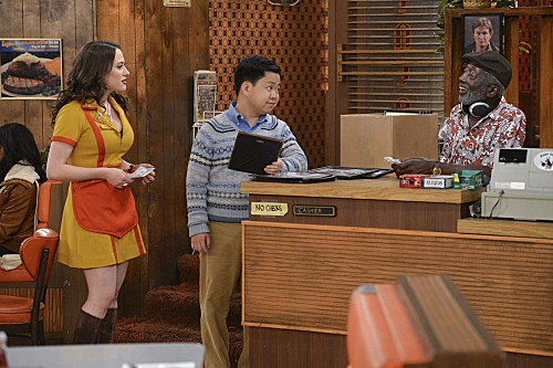 2 Broke Girls Season 2 Episode 8 And the Egg Special (3)