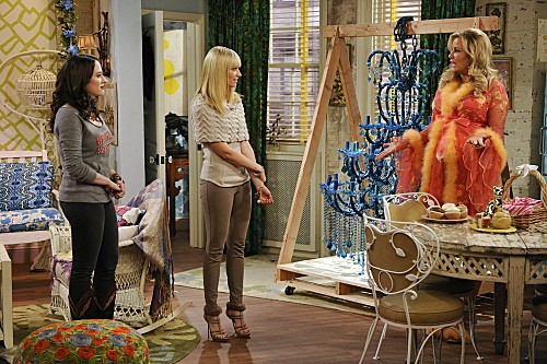 2 Broke Girls Season 2 Episode 8 And the Egg Special (4)