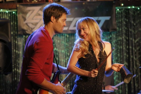 https://i2.wp.com/www.tvequals.com/wp-content/uploads/2012/11/Ben-and-Kate-Episode-9-Guitar-Face-6.jpg