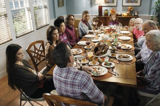 "The Neighbors Episode 8 ""Thanksgiving is for the Bird-Kersees"""