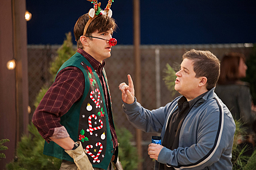 Two and a Half Men Season 10 Episode 11 Give Santa A Tail-Hole (4)