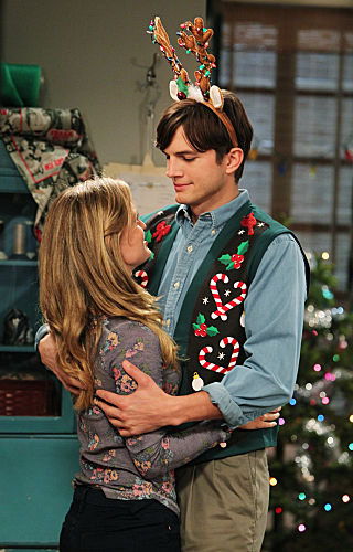 Two and a Half Men Season 10 Episode 11 Give Santa A Tail-Hole (7)