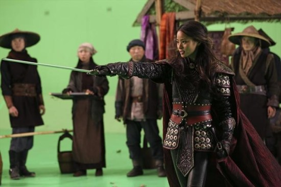 """Once Upon a Time Season 2 Episode 11 """"The Outsider"""" (1)"""