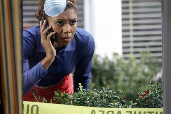The Neighbors Episode 12 Cold War (10)