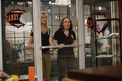 2 Broke Girls Season 2 Episode 15 And The Psychic Shakedown (3)