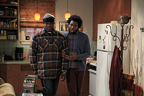 Mike & Molly Season 3 Episode 13 Carl Gets a Roommate (1)